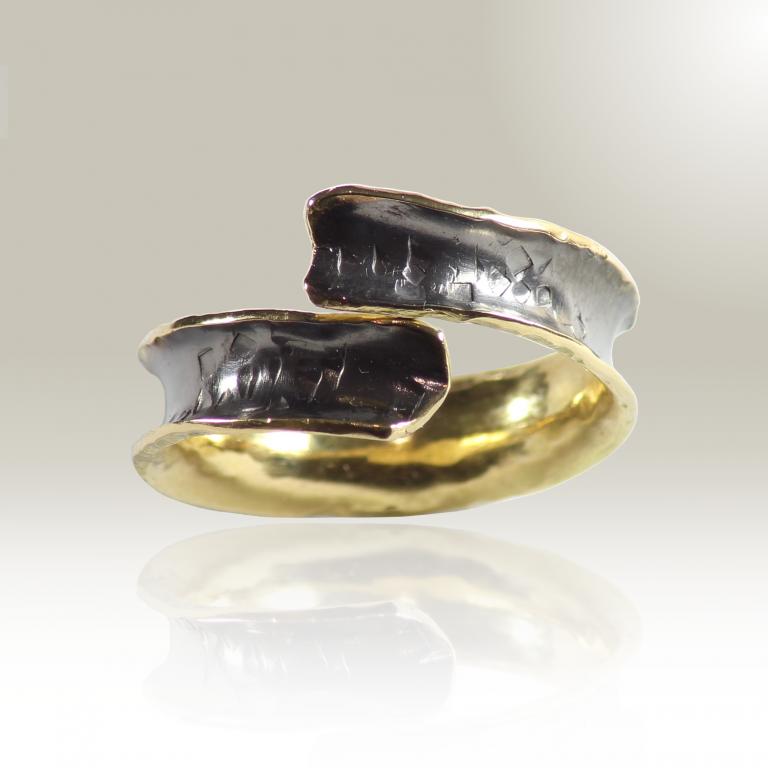 anello sibilla contrariè sfondo